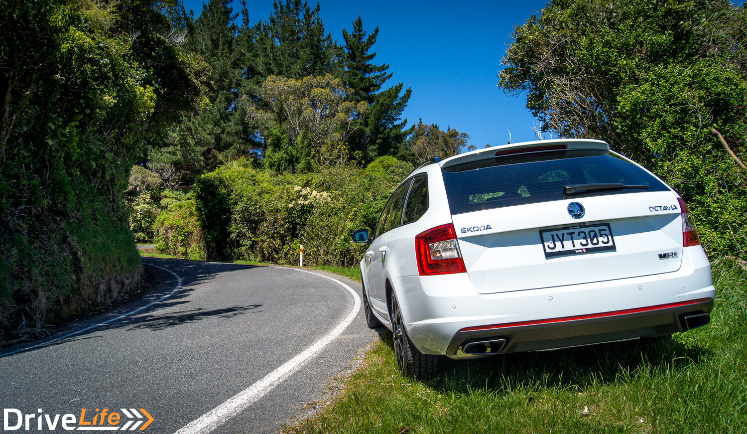 car-review-2016-skoda-octavia-rs230-9