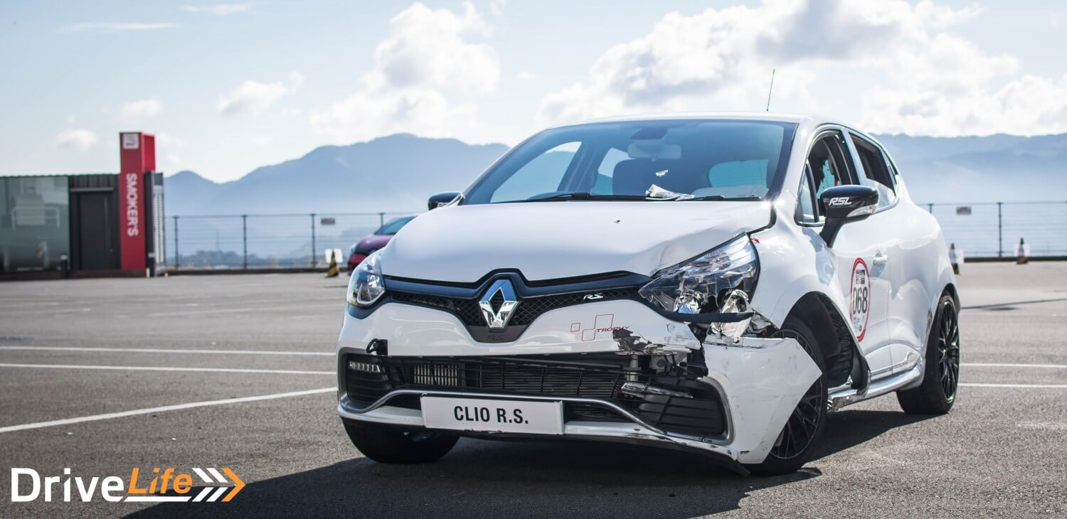 autocar-japan-festival-renault-clio-rs-crash