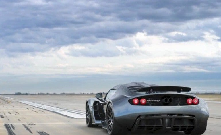 Hennessey Venom – 0 to 300 km/h in 13.63 sec.
