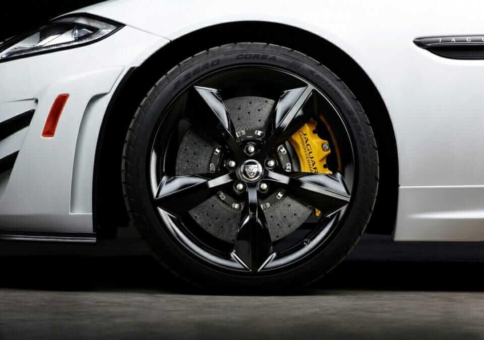 Jaguar-XKR-S_GT_06