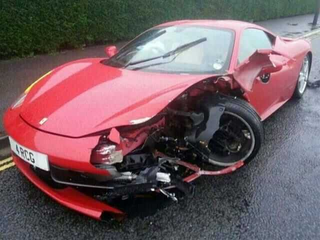 Ferrari458_crash02