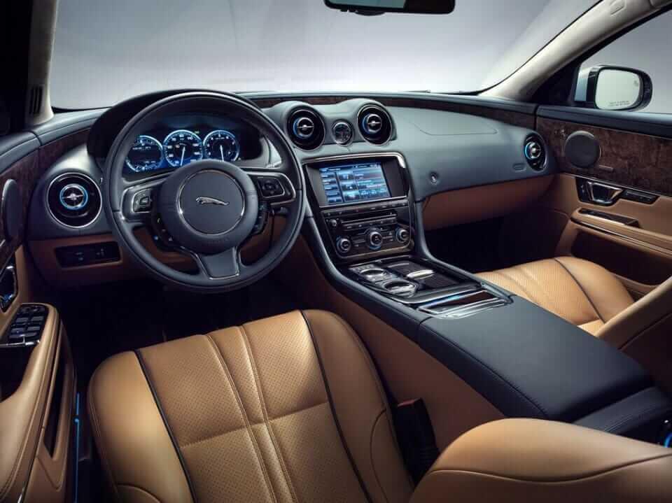 2014 Jaguar XJ 4