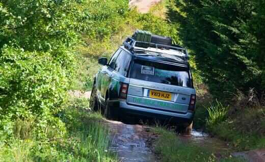 2014-land-rover-range-rover-hybrid-photo-532546-s-520x318