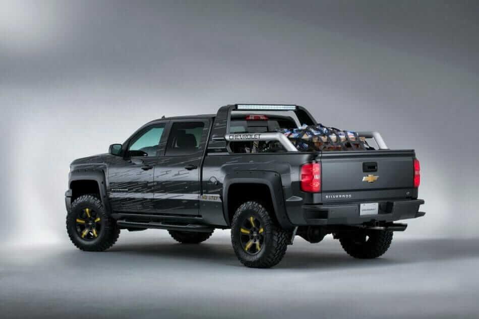 2013-SEMA-Chevrolet-Silverado-BlackOps-3[3]