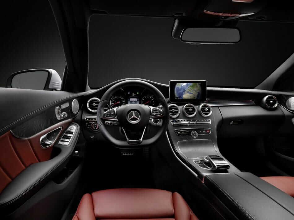 Mercedes-Benz_C_Class_01