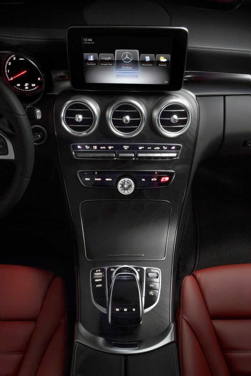 Mercedes-Benz_C_Class_02
