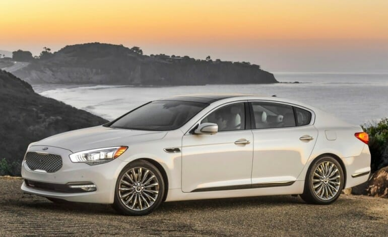 Kia Unveils its first US rear wheel drive sedan in LA