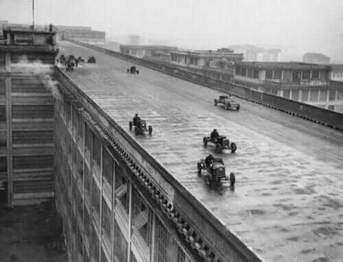 old-italian-racetrack-on-roof-12