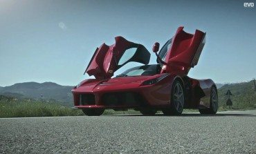 LaFerrari First Review From EVO