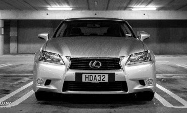 2014 Lexus GS300H - Car Review - Can Efficiency Be Exhilarating ?