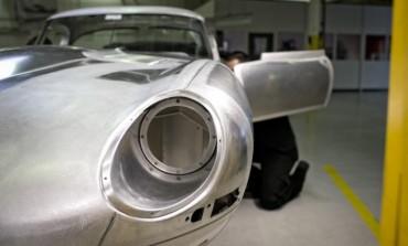 Jaguar Is Building Six 'Brand-New' E-Type Lightweights