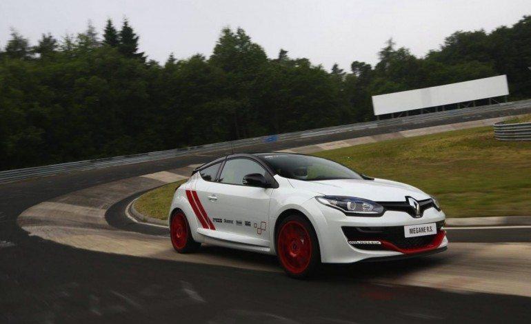 Renault Mégane R.S. 275 Trophy-R Lap Nürburgring in Under 8 Minutes