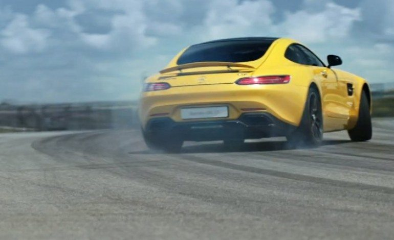 Mercedes-AMG GT Rips It Up On The Circuit of the America