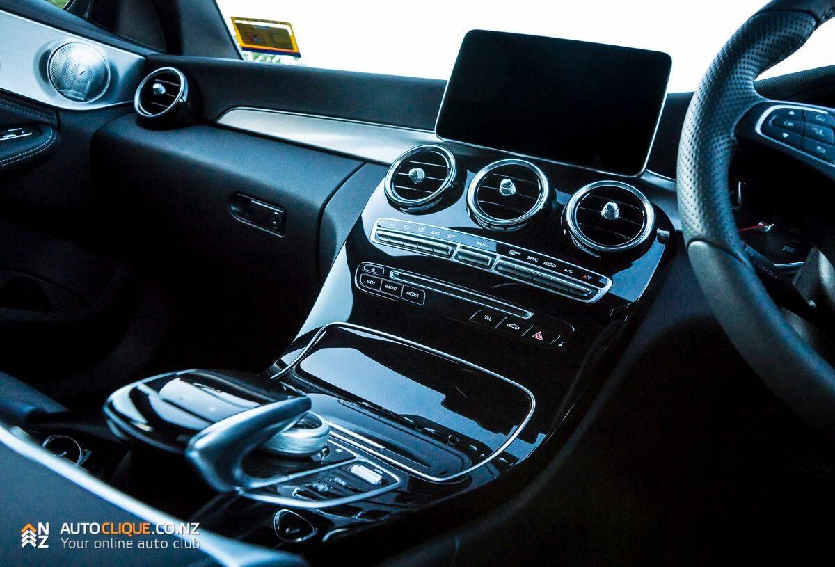 Mercedes-Benz-C200-9