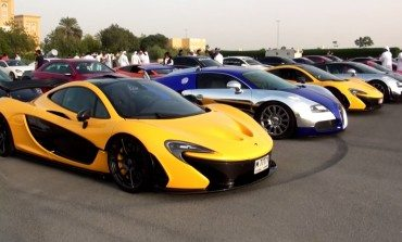 Car Meets Are A Bit Different In Dubai And They Drag Race Too