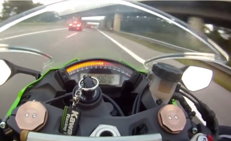 Kawasaki Zx-10 vs. AUDI RS6 ABT