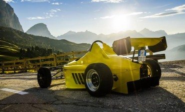 Street Legal F1 Car, And You Wont Believe the Price !