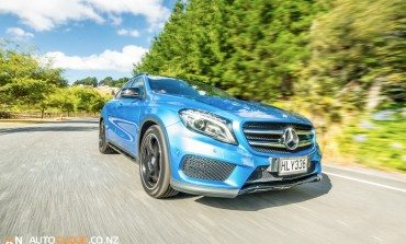 Mercedes-Benz GLA 250 - Car Review - Large Sports Car or Small SUV ?