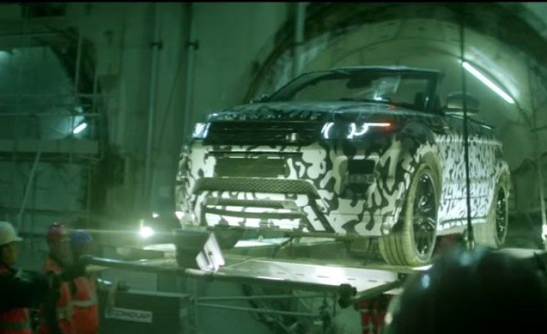 Range Rover Evoque Convertible Discovers The Tunnels of London