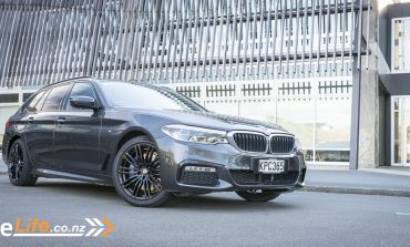 2017 BMW 530D XDrive Touring - Car Review - Luxury All-Rounder