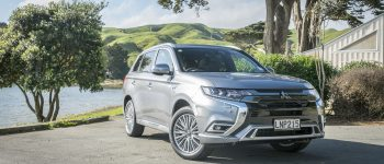 2018 Mitsubishi Outlander PHEV VRX 4WD - Car Review - The understated Eco SUV