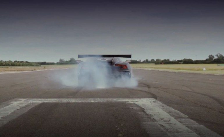Seven Seconds of Aston Martin goodness to wake you up this Friday morning
