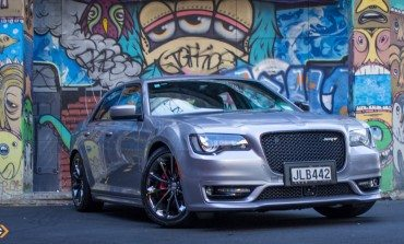 2016 Chrysler 300 SRT – Car Review – Aural Symphony