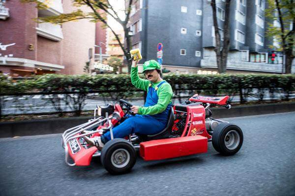 real-life-mario-kart-takes-over-the-streets-of-tokyo-11