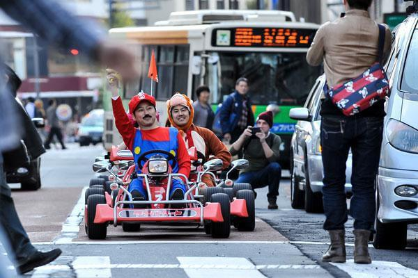 real-life-mario-kart-takes-over-the-streets-of-tokyo-7