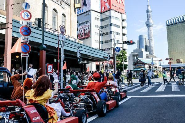 real-life-mario-kart-takes-over-the-streets-of-tokyo-8