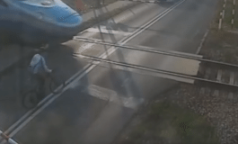 Cyclist VS Train - Man Lucky To Be Alive