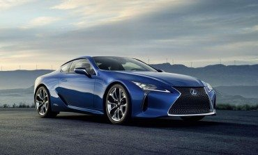 Lexus Reveals LC500h Coupe - And It's Blue