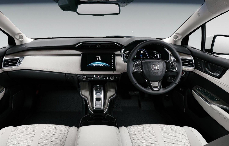 2016-Honda-Clarity-FCV-5