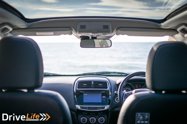 Car-Review-2015-Mitsubishi-ASX-Interior-02