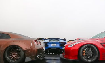 Video: Some Supercars At A Car Meet