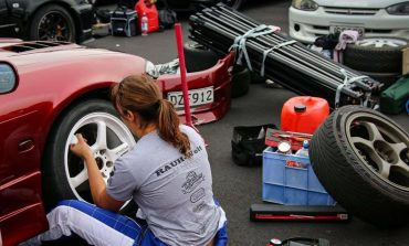 Pit Girls and Women in Motorsport