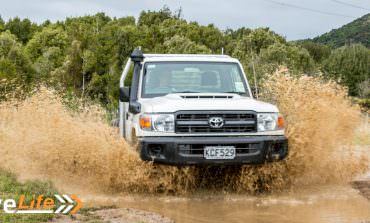 2017 Toyota Land Cruiser 70 - Car Review - Go-Anywhere Work Truck
