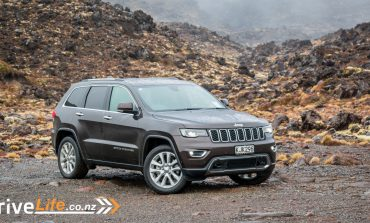 2017 Jeep Grand Cherokee Limited - Car Review - Off-road luxury