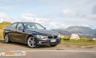 2017 BMW 318 - Car Review - The Ultimate Driving machine?
