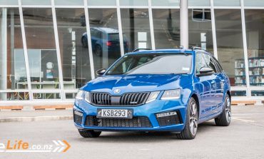 2017 Skoda Octavia RS Wagon - Car Review - Rapid Skoda