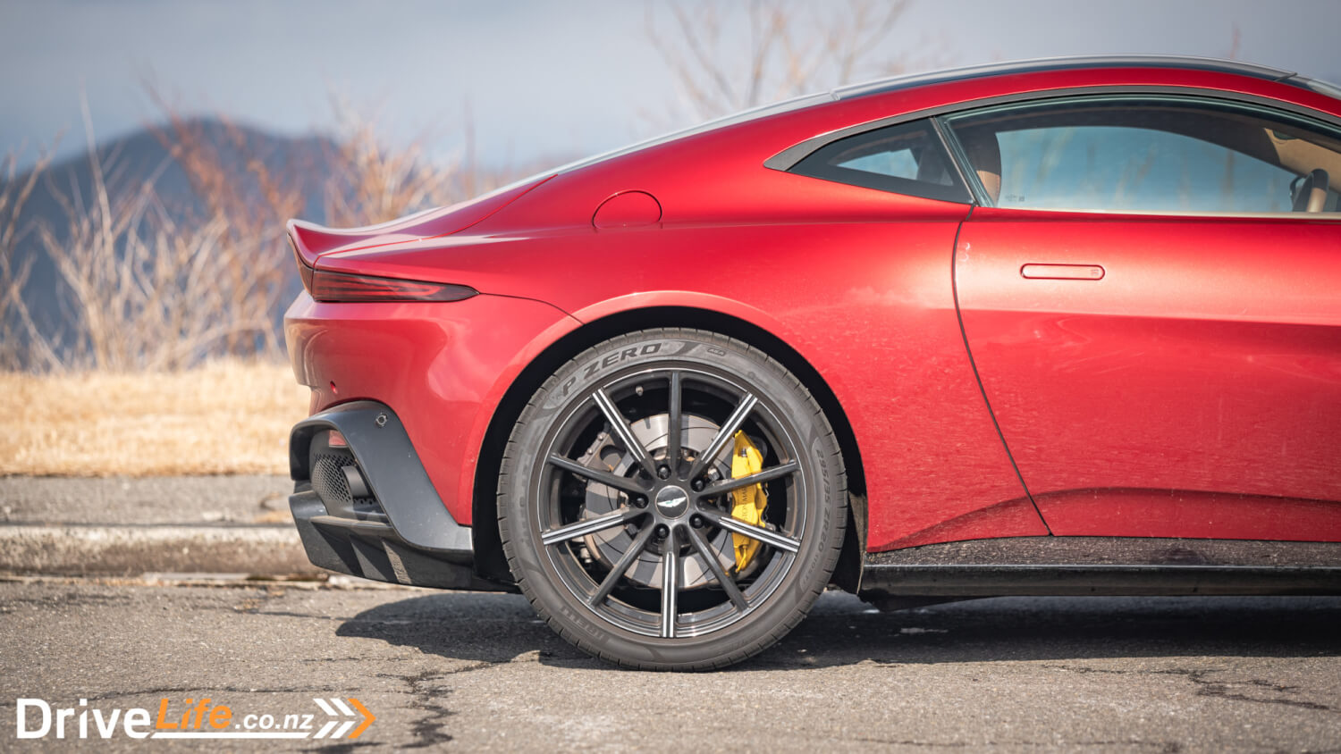 Five Things About The 2019 Aston Martin Vantage Drivelife